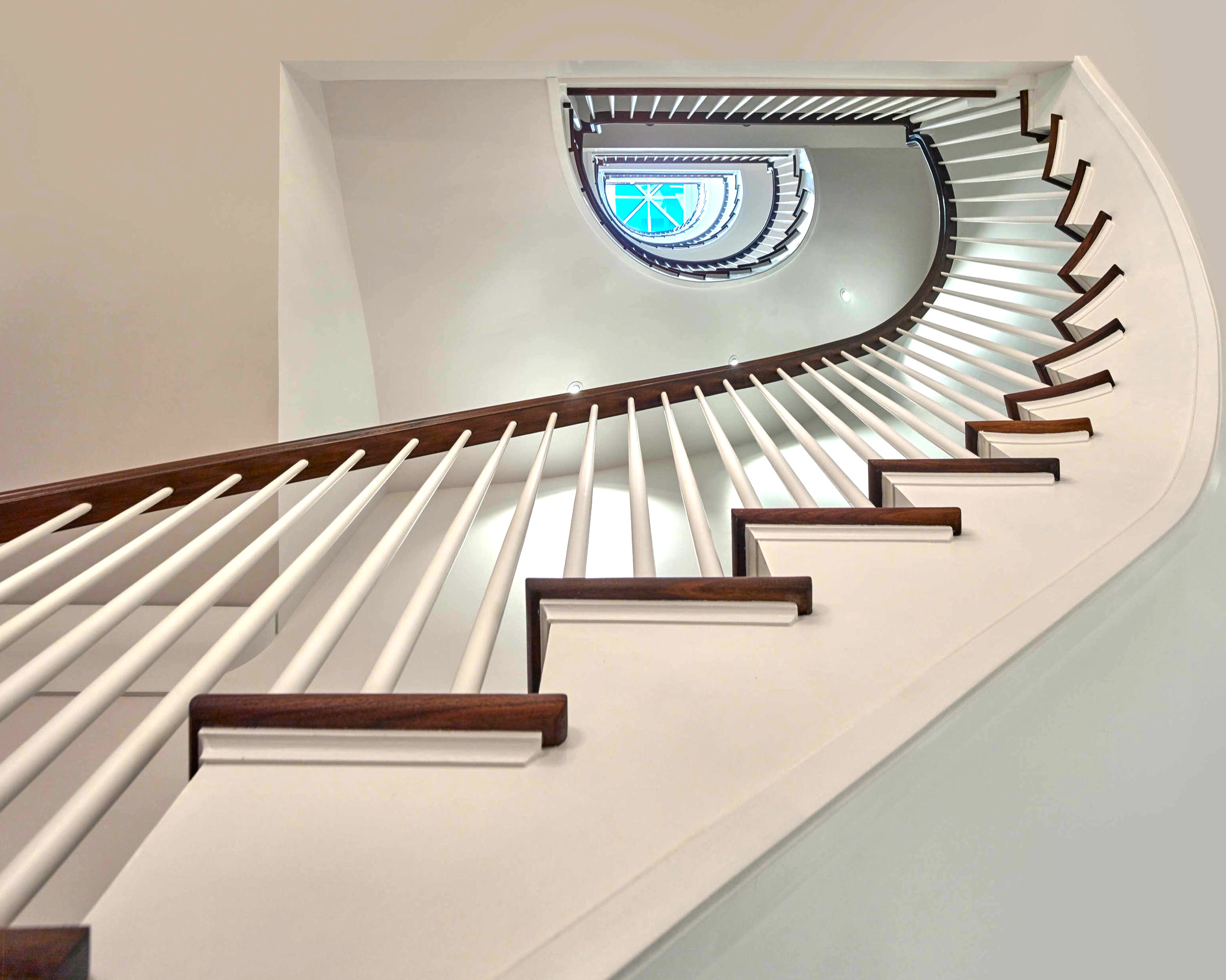 18 - Best Curved Stairway-Traditional