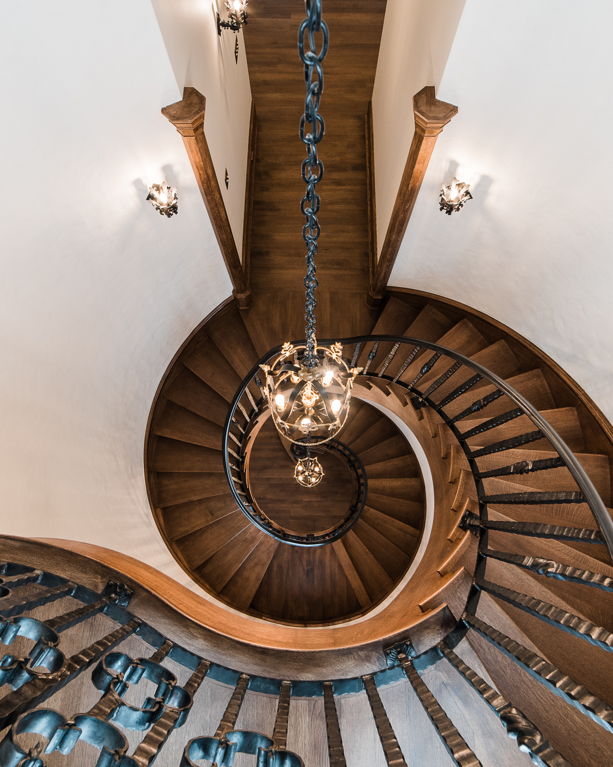 20 - Best Curved Stairway-Traditional